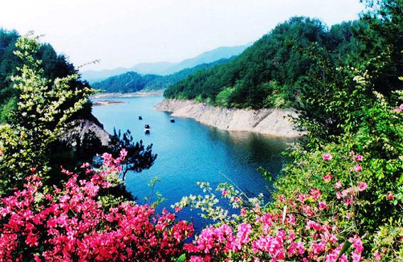 天堂湖风景区